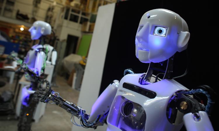 dvejetainiai optiniai robotai 2021 m